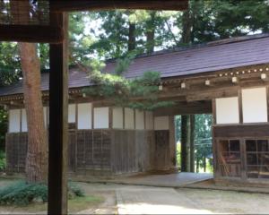 山本家の門