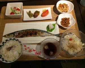 さんま定食(北洋の館)