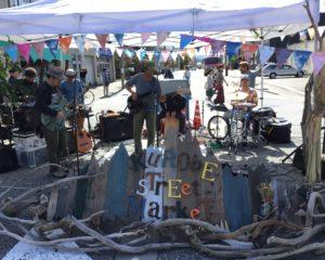 ライブミュージック(クロベストリートマーケット)