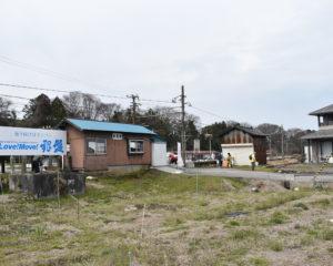銀盤酒造に中島オヤツ店が近い長屋駅
