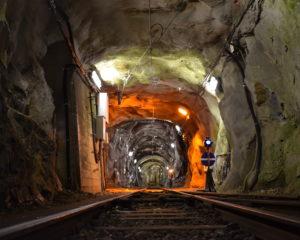 工事区域線路は洞窟のよう