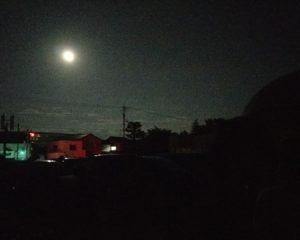 満月です(光の玉じゃないよ!)