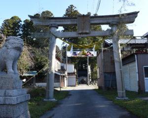 鶏野神社参道